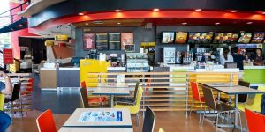 Fast-food Chain Offers Table Side Service