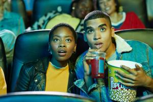 27 أفضل مواقع البث المباشر للأفلام في العالم