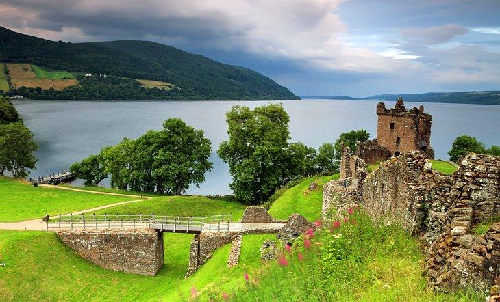 Loch Ness und Inverness