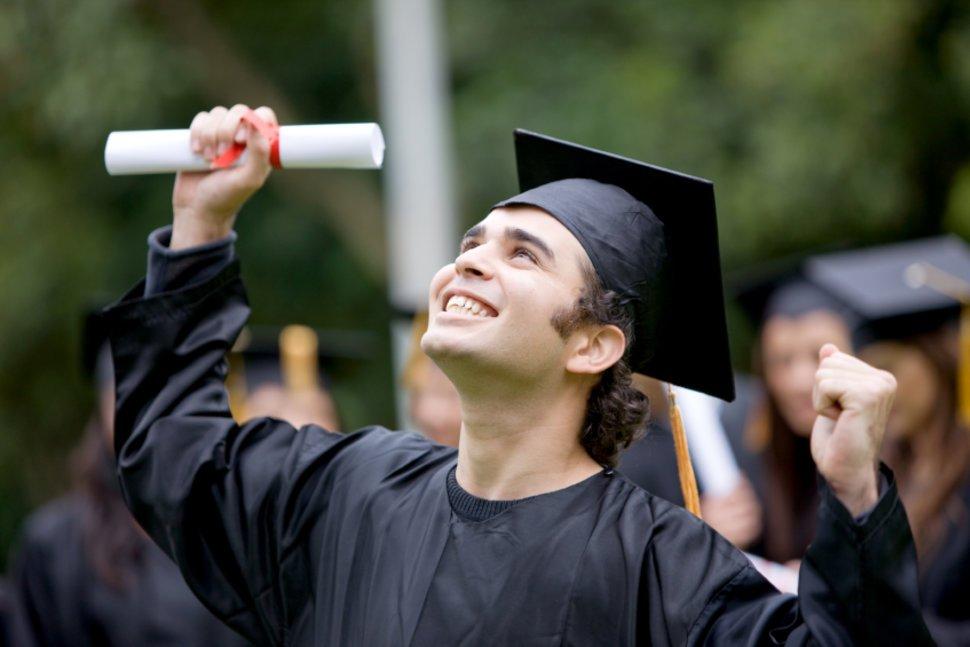 16 Essay-beurzen voor studenten uit elk land 2020/2021