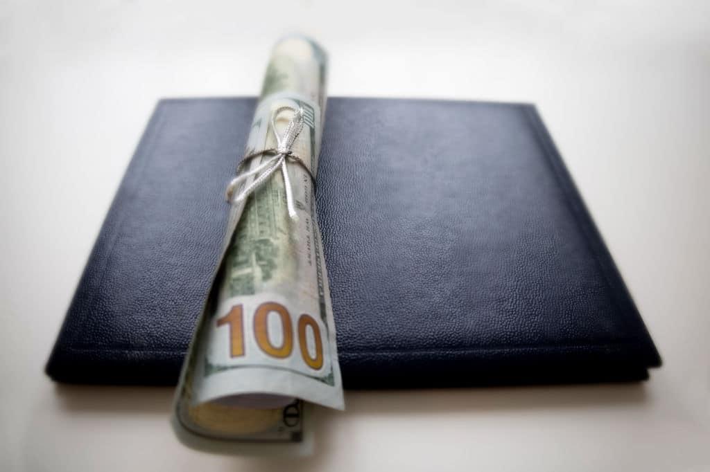 Tips for Finding Scholarships