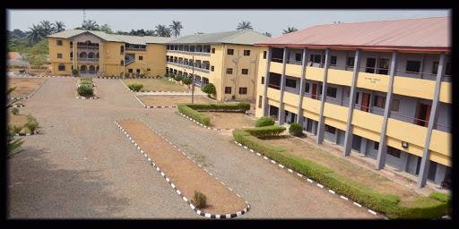 Legacy University Kurse und Anforderungen