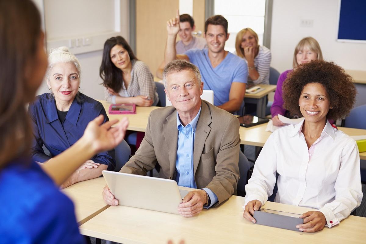 Algunas becas fáciles para estudiantes adultos en 2020