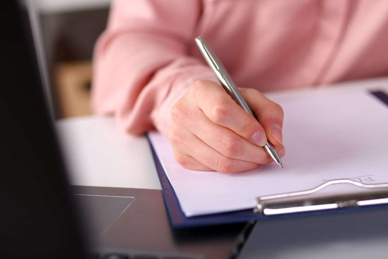 Intro Essay Examples | Guide on Writing a Good Essay Intro