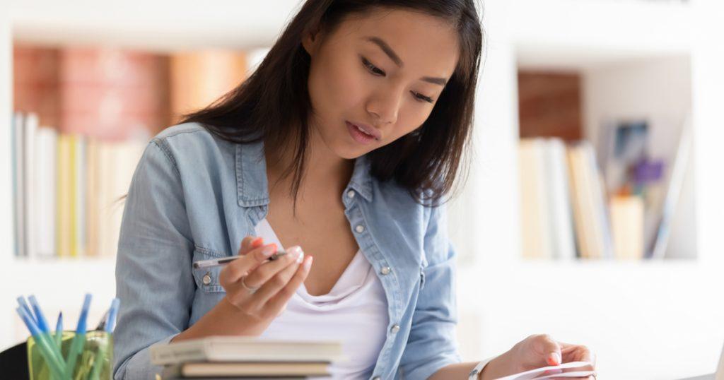 Hamlet Essay Topics for Students 2020 | A Comprehensive List