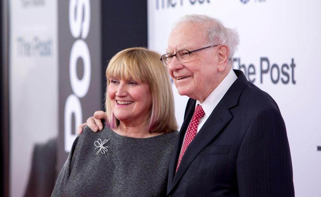 4. Warren Buffett - VS.