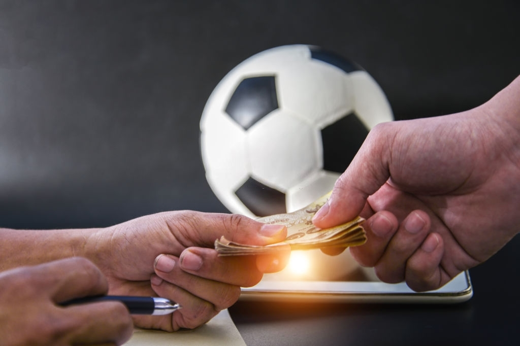 International Scholarships for Footballers Abroad