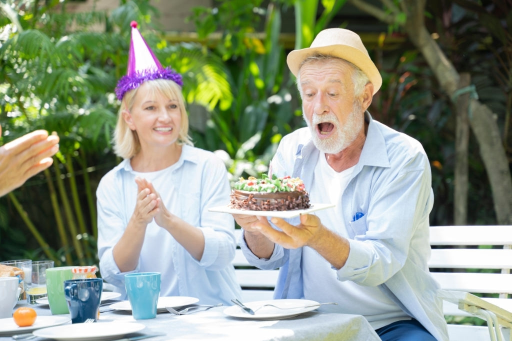 100 Parents Anniversary Messages, Wishes and Quotes