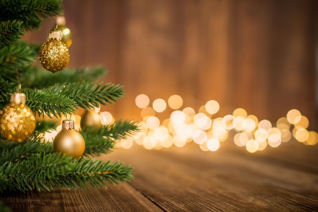 100 Christmas Messages, Wishes, and Quotes For Friends