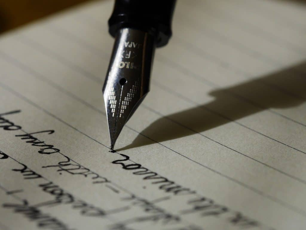 Some Tips for Writing an Effective Application Essay