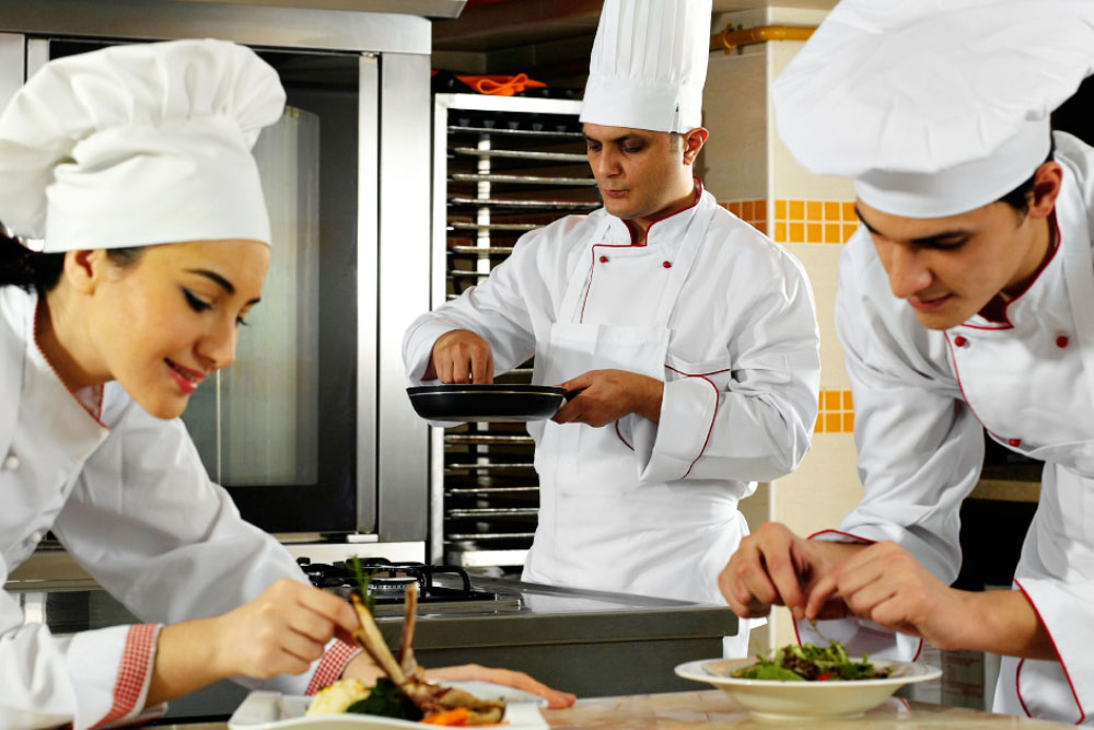 Best Hotel Management Courses 2021 with Certificates