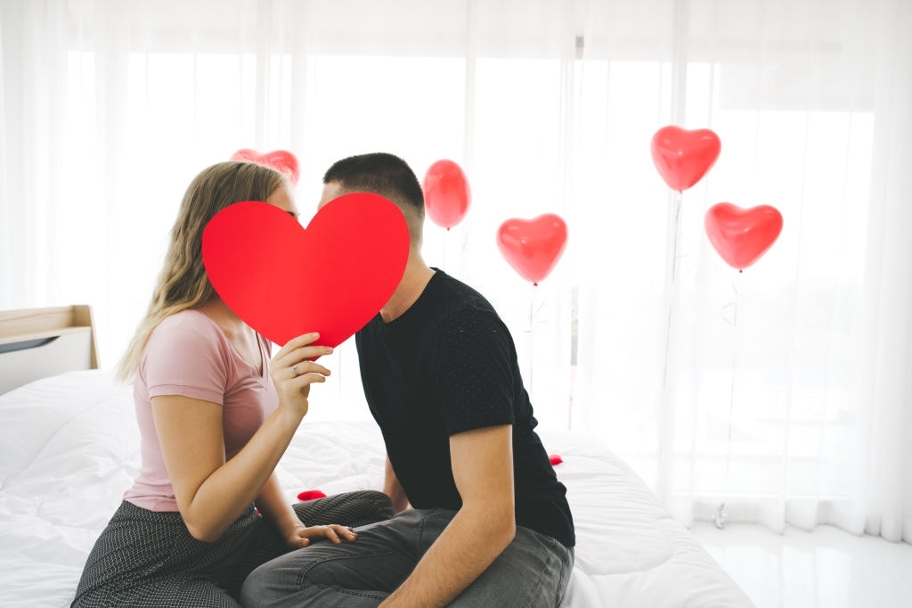 Amorous Love SMS for Girlfriend