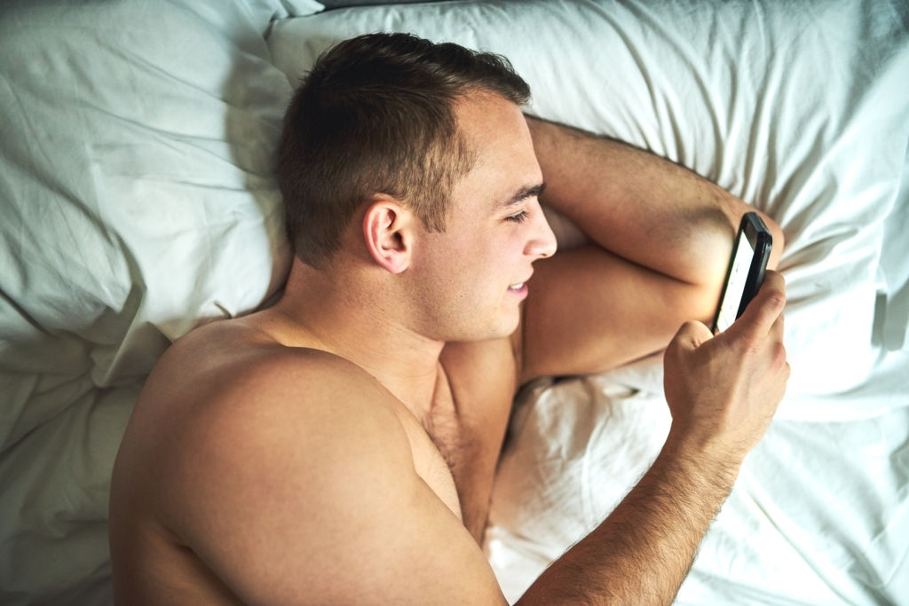Pleasing and Sweet Love Text Messages for Him