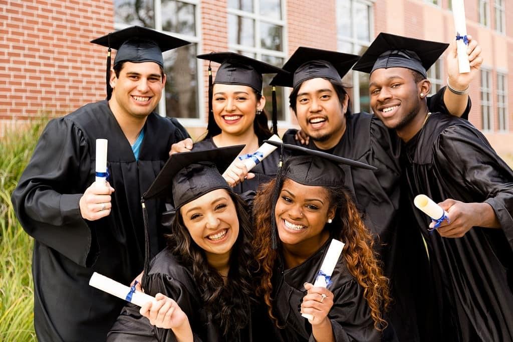 Distinction Between High School Diploma and High School Certificate