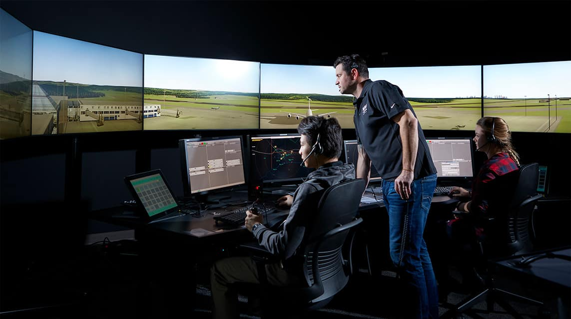 Air Traffic Controller: Easy Jobs That Pay Well With no Experience